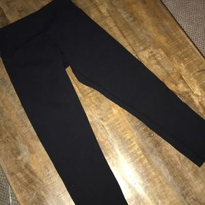 Lululemon black crop leggings sz 2